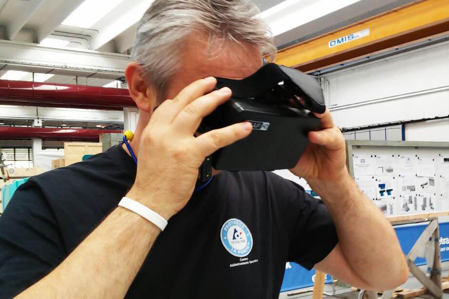 Un nostro cliente prova la realtà immersiva, visita uno stabilimento del gruppo distante 200 km.