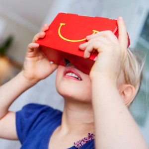 Q mcdonalds-google-cardboard-vr-viewer-kid